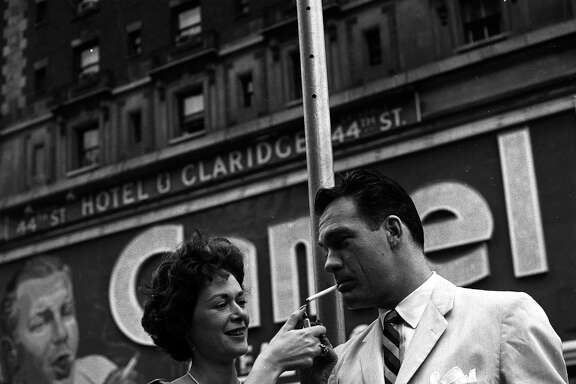 Carl Betz and wife Lois On Location In New York City - Shoot Date: October 15, 1959. (Photo by ABC Photo Archives/ABC via Getty Images)