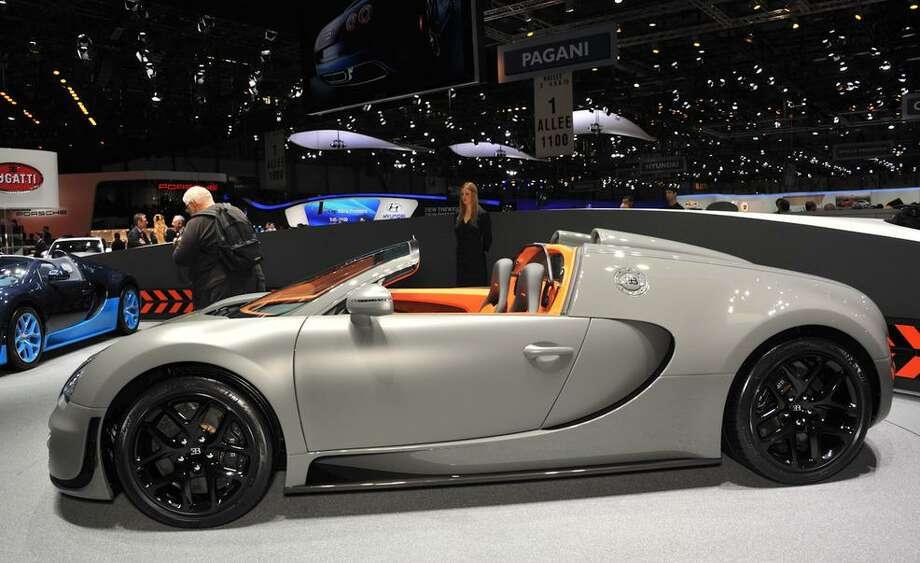 2013 Bugatti Veyron Grand Sport Vitesse Photo: Car & Driver