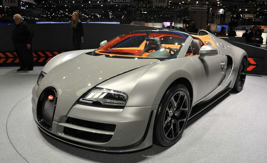 2013 Bugatti Veyron Grand Sport Vitesse Photo: Car & Driver