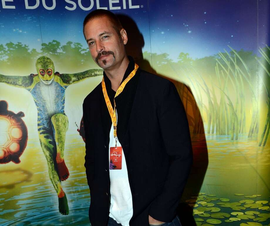 Josh Holloway is almost unrecognizable at a 2012 Atlanta premiere of Cirque du Soleil.
