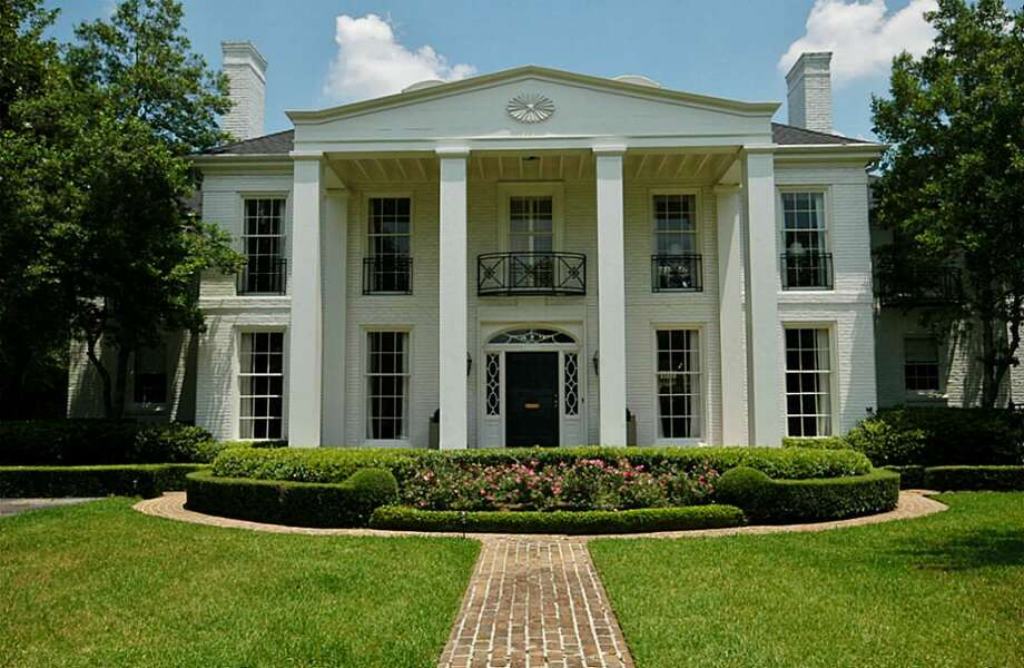 3334 Chevy ChaseAsking price: $4,625,000 Sales price range: $4,418,001 - $5,081,000 Neighborhood: River Oaks Country Club Estates Specs: 5 bedrooms, 6 bathrooms Size: 7,370 square feetListing agent: Janie Miller of George Murray & Co.Selling agent: Laura Sakowitz Sweeney of John Daugherty, RealtorsFind data on average home prices in your area and more here. Photo: Har.com, John Daugherty Realtors