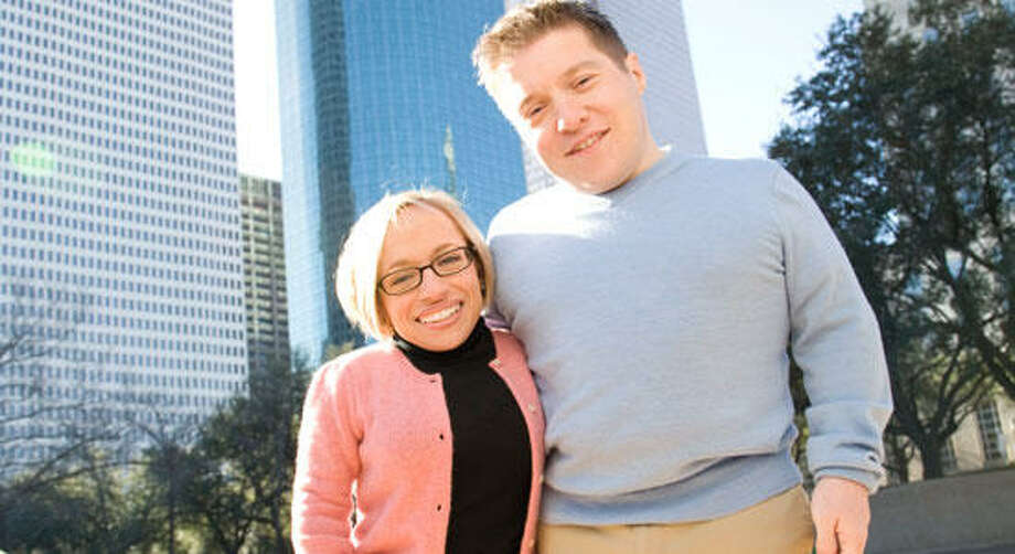 Bill Klein and Dr. Jennifer Arnold starthe TLC seriesLittle Coupledocumenting their life.