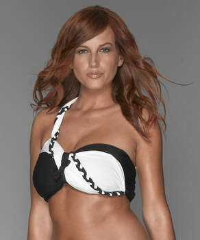 Kortnie Coles of Houston: America's Next Top Model, Cycle 12 (2009) / ©2009 Pottle Productions Inc. All Rights Reserved.