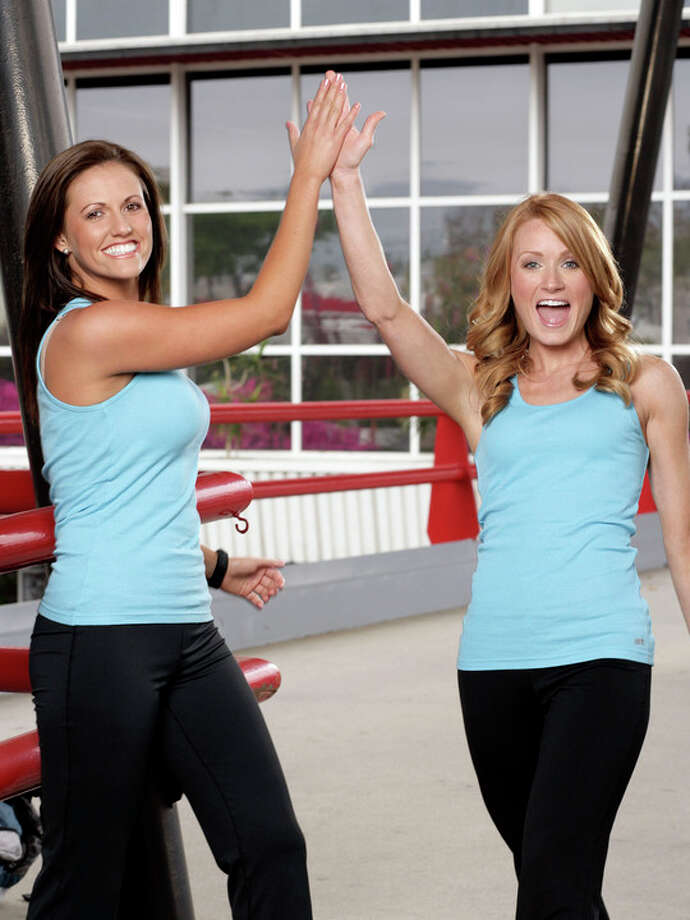 Kelly Crabb (left) of Houston: The Amazing Race, Season 13 (2008) Photo: MONTY BRINTON, CBS / ©2008 CBS BROADCASTING INC. ALL RIGHTS RESERVED.