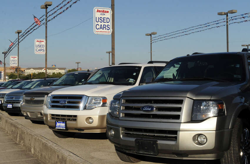 2019 TOP WORKLPACES IN SAN ANTONIO: MIDSIZE EMPLOYERS 29. JORDAN FORD LIMITED Sector: Auto dealership SA area employees: 247 Interesting facts: Opening in 1919, it is the oldest Ford dealership in San Antonio. Benefits: Benefits include paid vacation, paid holidays, tenure recognition awards, health insurance and retirement savings plan.