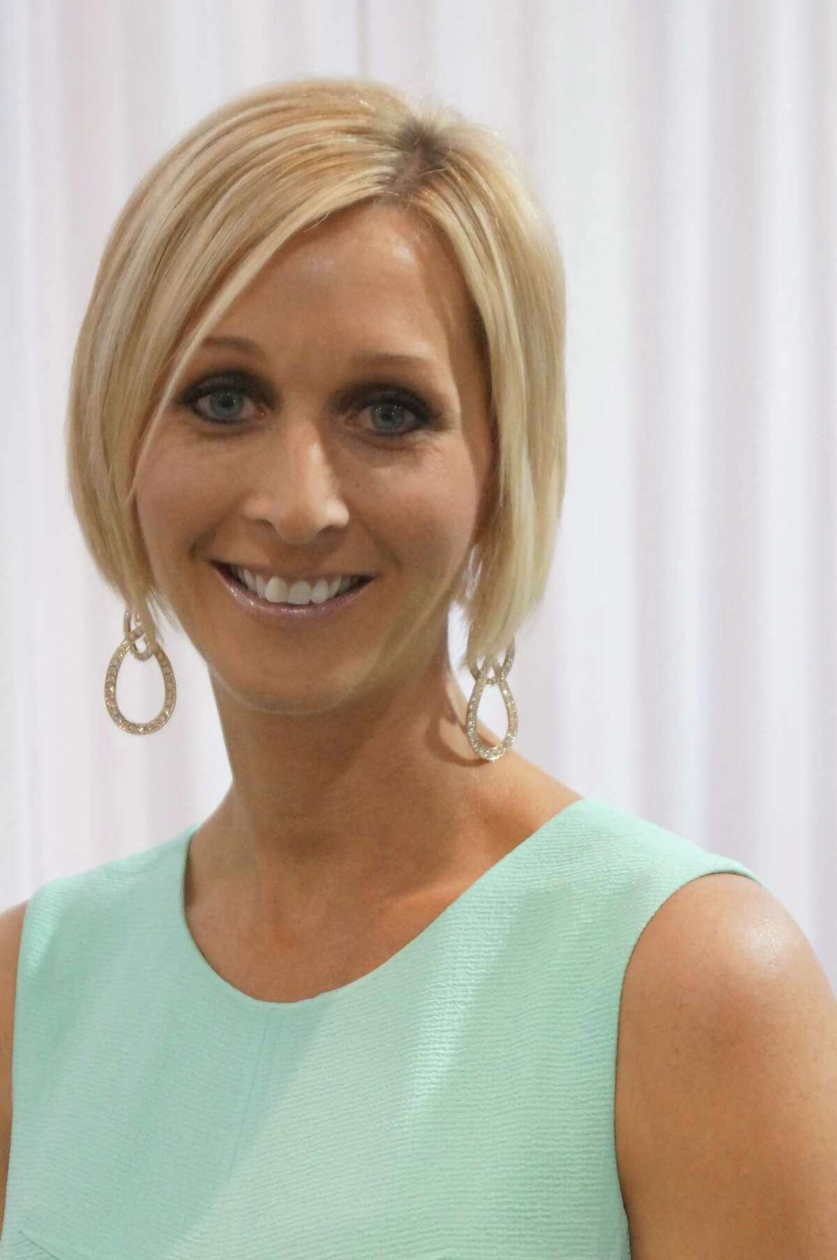 Interfaith of The Woodlands has selected Julia Dell as its 2013 Woman of Distinction.
