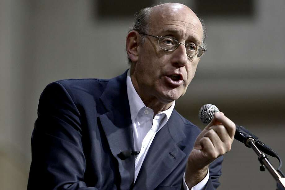 Kenneth Feinberg, administrator of the Gulf Coast Claims Facility, speaks at a public meeting in Houma, Louisiana, U.S., on Wednesday, Aug. 18, 2010. Claims from all 50 U.S. states confront Feinberg as he prepares to tap BP Plc's $20 billion escrow account for victims of the company's Gulf of Mexico oil spill. Photographer: Derick E. Hingle/Bloomberg *** Local Caption *** Kenneth Feinberg Photo: Derick E. Hingle, Bloomberg