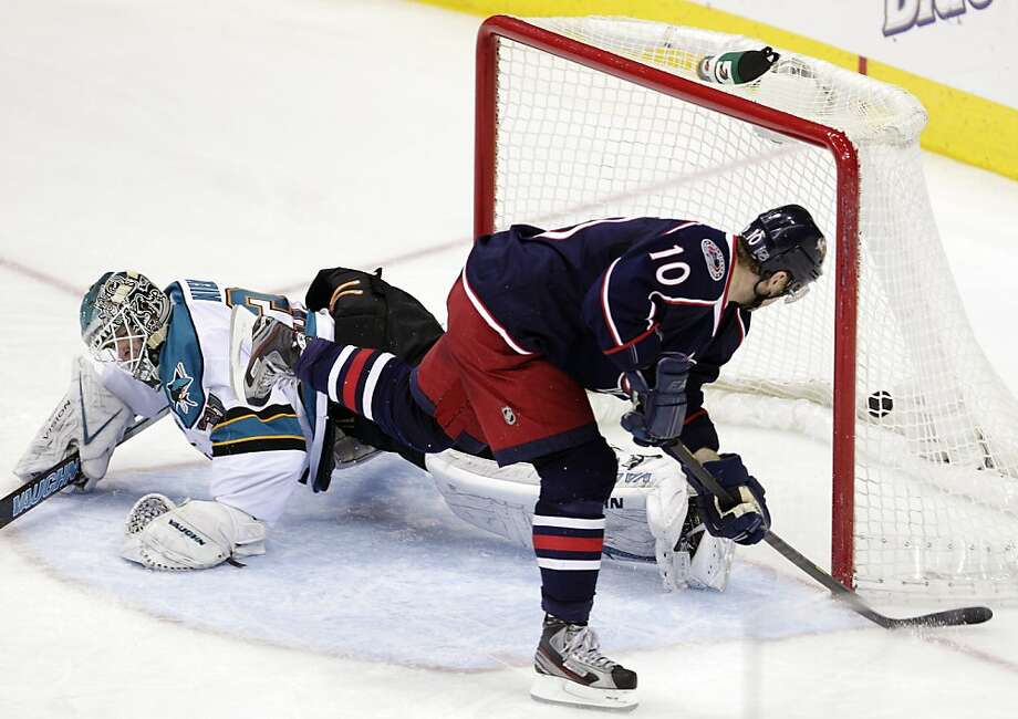 Columbus' Marian Gaborik scores against the Sharks' Antti Niemi in Tuesday's 4-0 road flop. Photo: Jay LaPrete, Associated Press