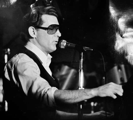 Jerry Lee Lewis in the Beaumont Civic Center in 1980