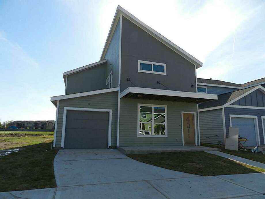 4211 Darter in Avenue Place is listed for $165,900. The house is under construction. Photo: Www.HAR.com