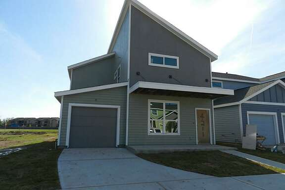 4211 Darter in Avenue Place is listed for $165,900. The house is under construction.