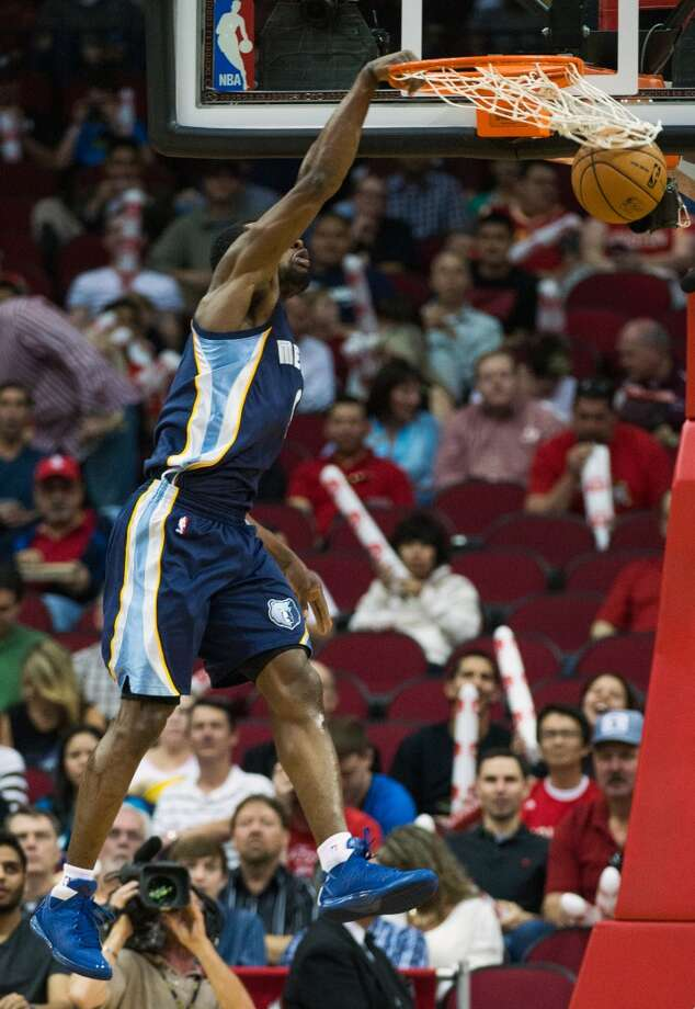 Grizzlies shooting guard Tony Allen dunks. Photo:  Smiley N. Pool, Houston Chronicle