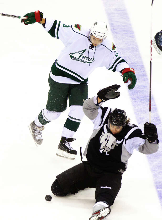 The Aeros 19-year stay in Houston is reportedly over. Photo: Cody Duty, Houston Chronicle / © 2013 Houston Chronicle