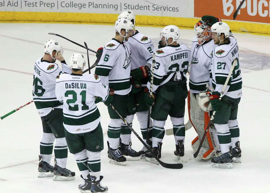 The Aeros played their final regular-season home game in Houston last Saturday. Photo: Cody Duty, Houston Chronicle / © 2013 Houston Chronicle