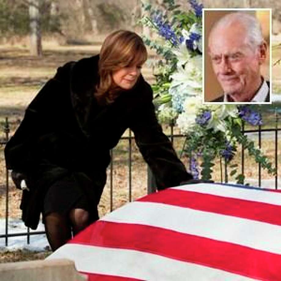 Sue Ellen unites with the Ewings to avenge J.R.\'s death in Season 2 finale. Photo: Zade Rosenthal  / (c) 2013 Turner Broadcasting Systems, Inc. A Time Warner Company. All Rights Reserved.