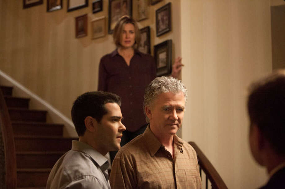 Bobby (Patrick Duffy) enlists the help of his family to find J.R.\'s killer.