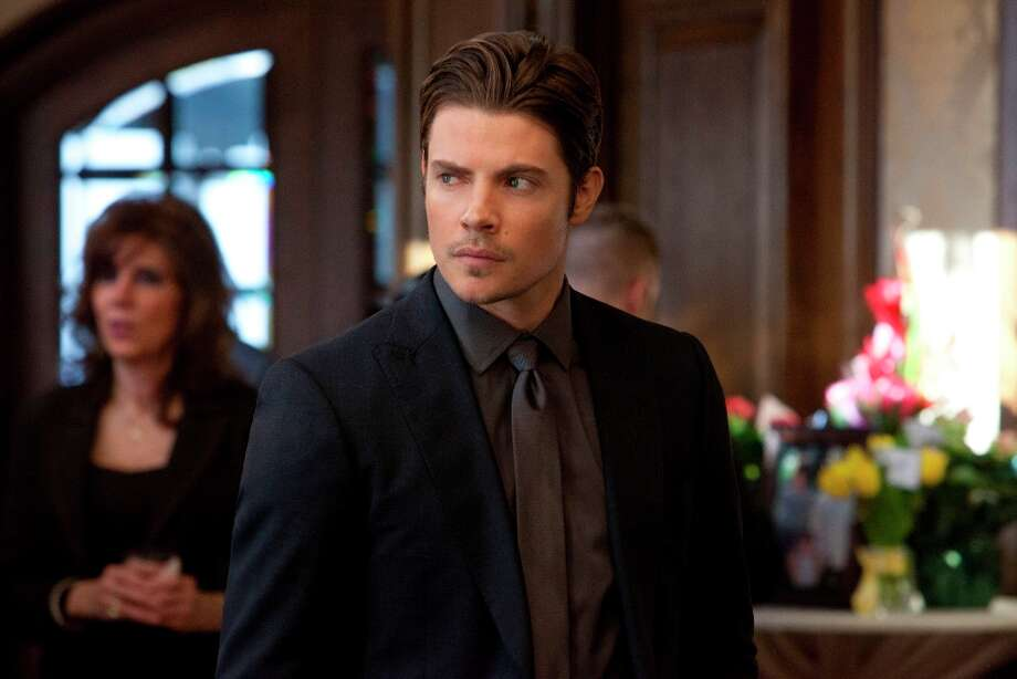 John Ross vows to avenge his dad\'s death in Season 2 finale. Photo: Skip Bolen, Skip Bolen / TNT / TM & © Turner Entertainment Networks, Inc.  A Time Warner Company.  All Rights Reserved.