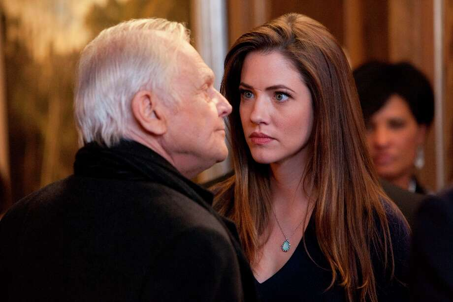Will Pamela (Julie Gonzalo) split with dad Cliff (Ken Kercheval) for good after his deadly scheme? Photo: Skip Bolen, Skip Bolen / TNT / TM & © Turner Entertainment Networks, Inc.  A Time Warner Company.  All Rights Reserved.