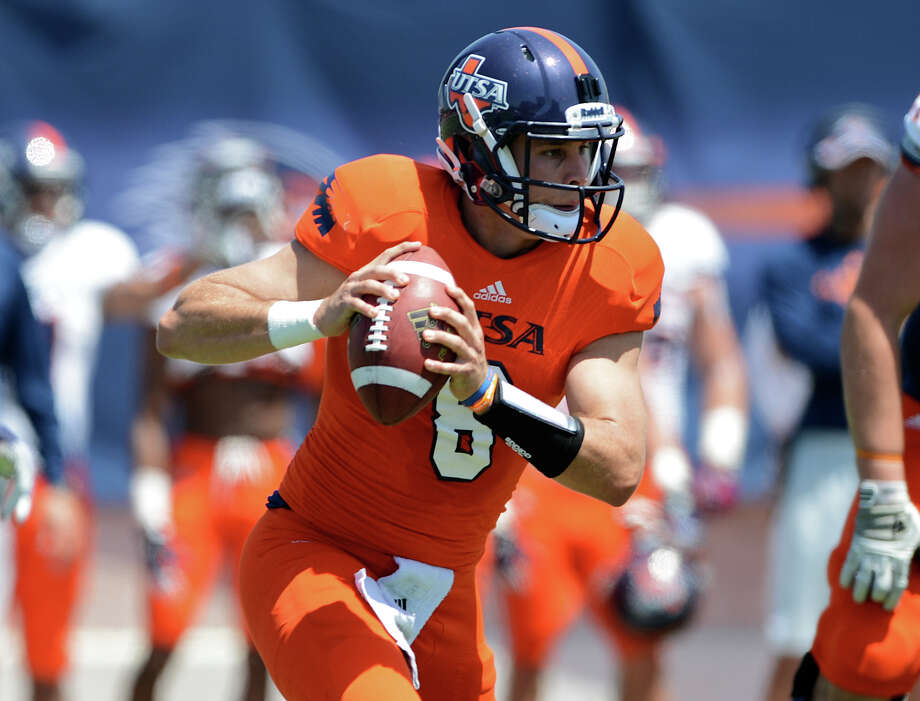 UTSA quarterback Eric Soza (8) scrambles out of the pocket during the UTSA football spring game at the Farris Stadium, Sunday, April 14, 2013. 