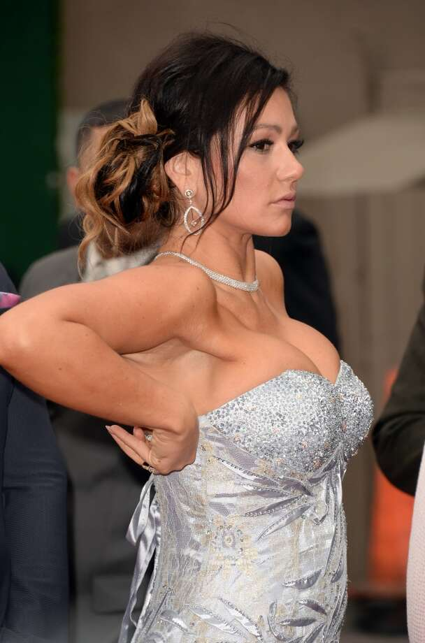"""CULVER CITY, CA - APRIL 14:  TV personality Jennifer \""""JWoww\"""" Farley arrives at the 2013 MTV Movie Awards at Sony Pictures Studios on April 14, 2013 in Culver City, California.  (Photo by Jason Merritt/Getty Images)"""