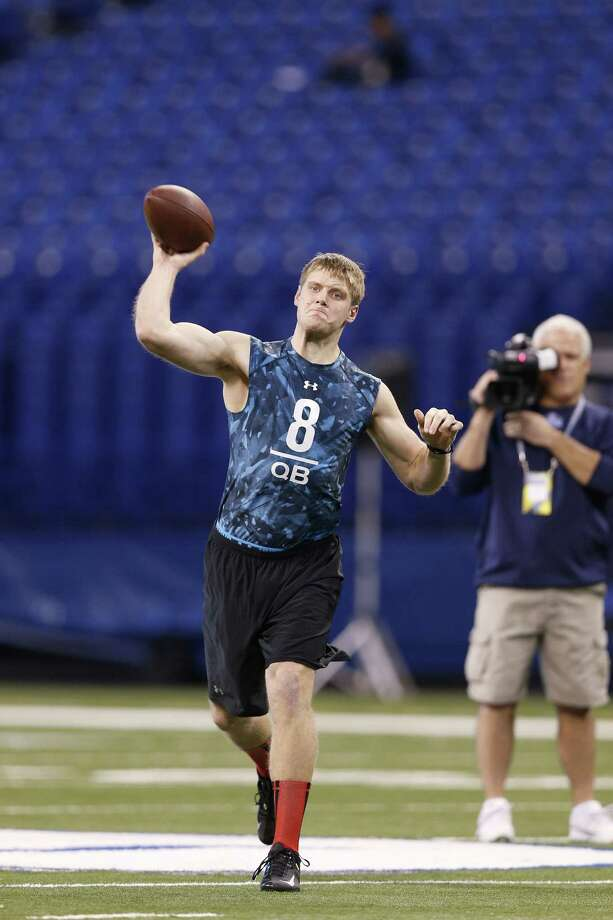 Collin Klein of Kansas State has ideal size to be an NFL QB, but there are still concerns about his throwing motion. Photo: Joe Robbins / Getty Images