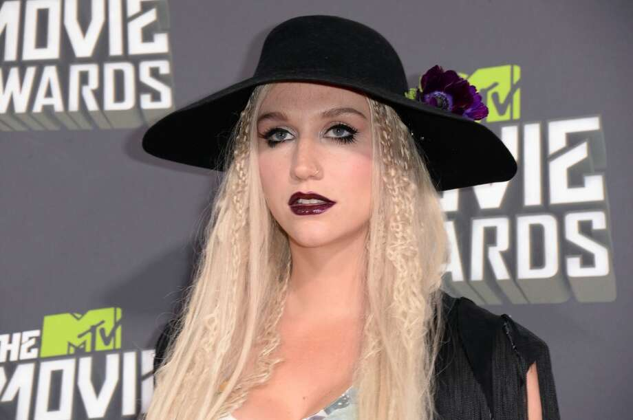 CULVER CITY, CA - APRIL 14:  Singer Ke$ha arrives at the 2013 MTV Movie Awards at Sony Pictures Studios on April 14, 2013 in Culver City, California.  (Photo by Jason Merritt/Getty Images)