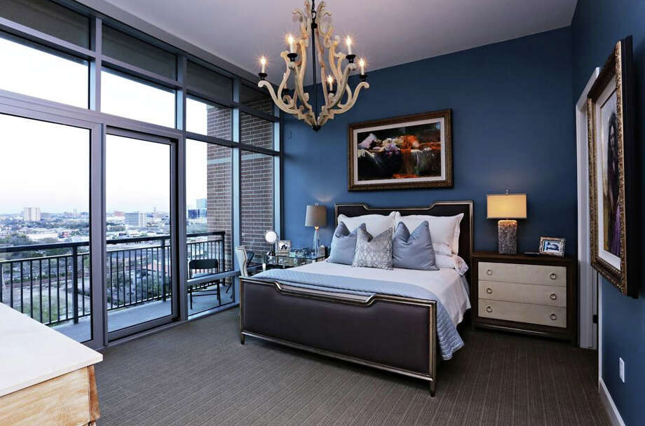 This penthouse suite offers gorgeous views of downtown Houston. It'll cost you just over a million though.