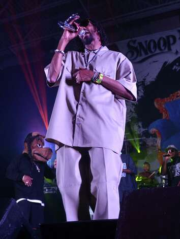 Rapper Snoop Dogg performing at Ford Park on June 3, 2012. Beth Rankin/cat5 Photo: Beth Rankin/cat5 / Beth Rankin