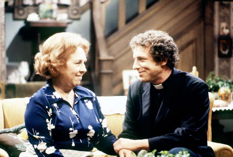 Sal Viscuso played Father Timothy Flotsky — From Wikipedia: The father is a former Catholic priest who leaves the priesthood to marry Corinne Tate, then later leaves her.