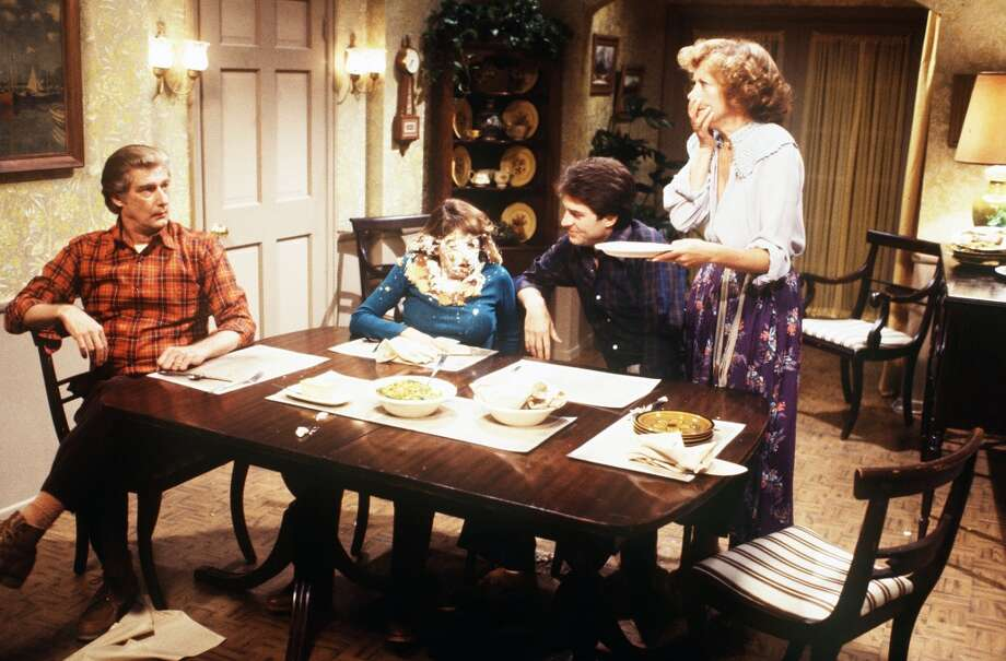 Episode 28 - Season Two - 9/28/78 Burt (Richard Mulilgan), Danny (Ted Wass) and Mary (Cathryn Damon) adjust to life with Elaine (Dinah Manoff).