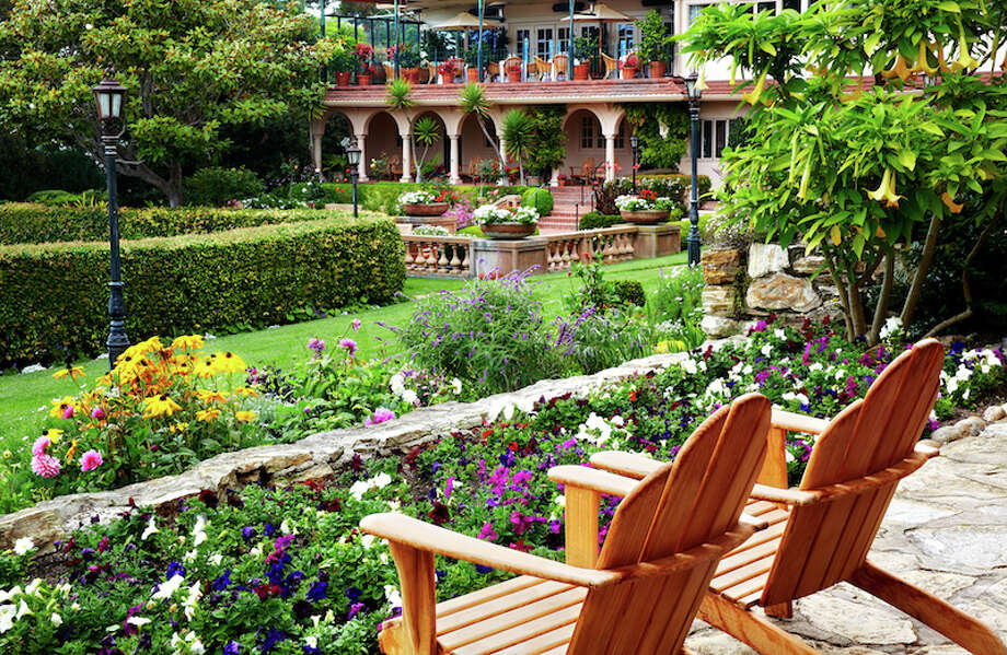The beautifully landscaped gardens of La Playa Carmel offer privacy suitable for weddings -- and apparently, Apple retreats again.