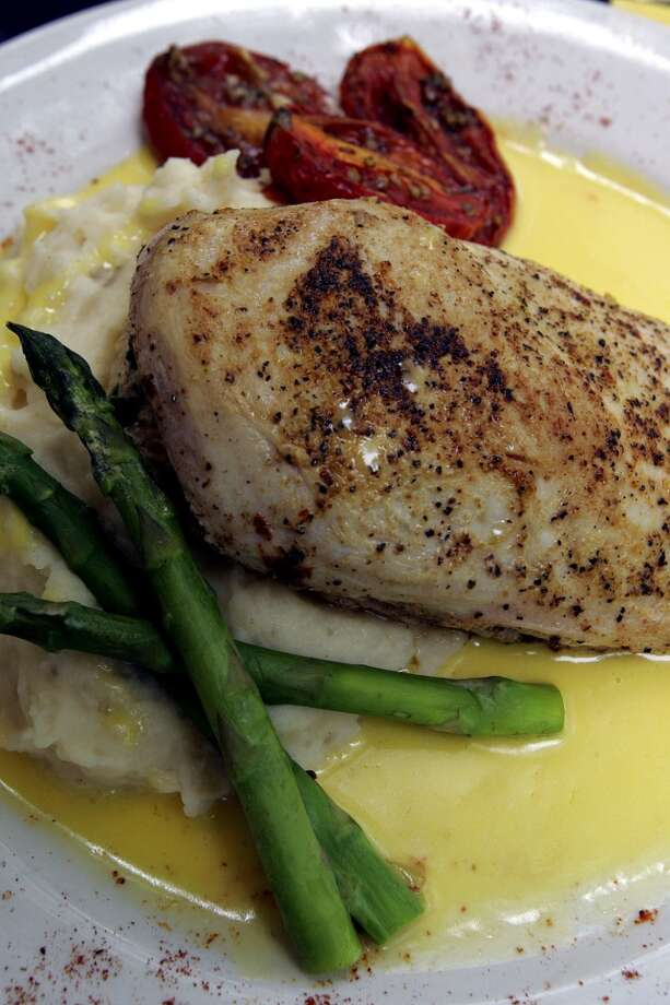 Zuni Grill\'s Southwestern chicken plate.