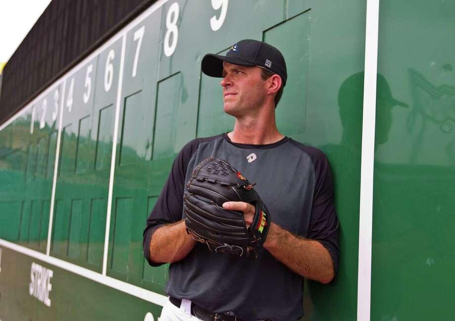 Former Astros pitcher Scott Elarton looks forward to a fresh start in baseball with the Sugar Land Skeeters. Photo: Karen Warren, Staff / © 2013 Houston Chronicle