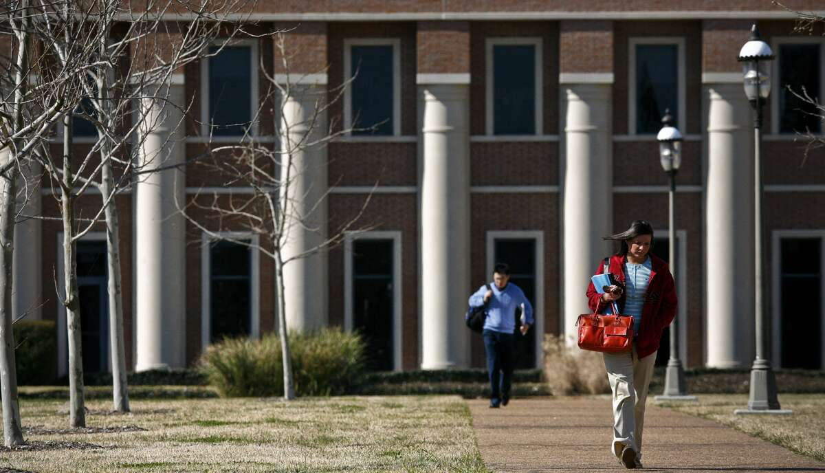 U.S. News ranked the top colleges and universities for 2014. Several Houston and Texas schools made regional and national lists.