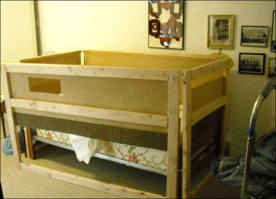 The makeshift crib where a Redmond woman allegedly kept her 89-year-old  mother for up to 12 hours per day. (Courtesy of the Redmond Police  Department)