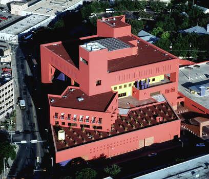 The San Antonio Main Public Library Building /Photo by Morris Goen (1998 Real City) Photo: MORRIS GOEN, EXPRESS-NEWS FILE PHOTO / SAN ANTONIO EXPRESS-NEWS