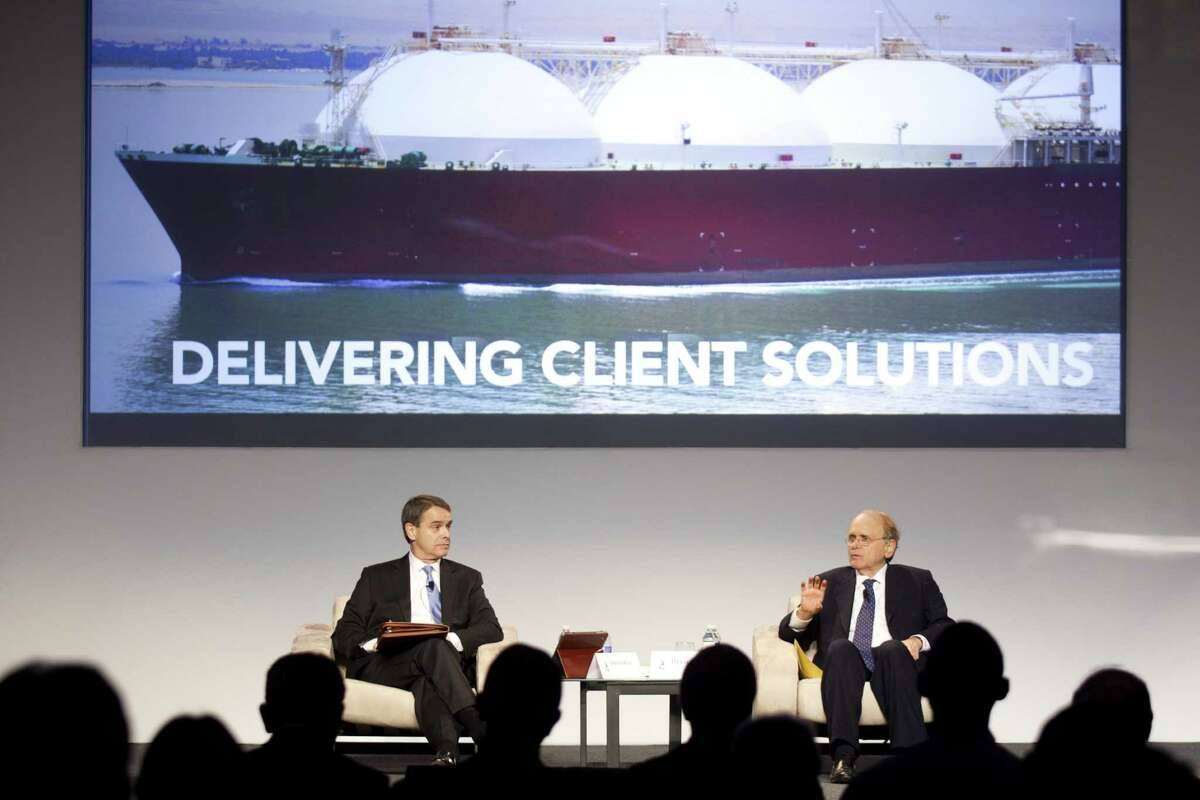 Daniel Yergin (right), a Pulitzer Prize-winning author and renowned energy industry scholar, sitting next to Steven Miles of the Baker Botts law firm, said that if U.S. companies begin exporting natural gas to East Asia, the costs associated with doing so would mean a price of around $12 per million British thermal units. Gas in the U.S. now sells for around $4 per million Btu.