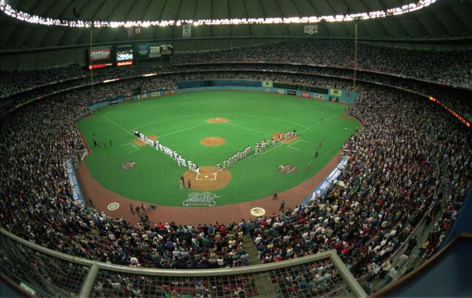 LARGEST M's CROWD 59,579 -- Oct. 1, 1997  For reference, this was the largest Mariners crowd in franchise history. It was Game 1 of the 1997 American League Division Series against the Baltimore Orioles, at the Kingdome. Unfortunately, the M's lost it 9-3, and went on to lose that series to the O's.