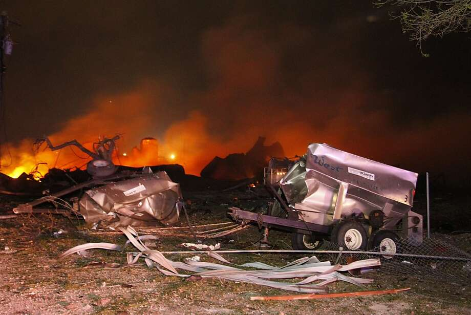 A fire burns at a fertilizer plant in West, Texas after an explosion Wednesday April 17, 2013 (AP Photo/Michael Ainsworth/The Dallas Morning News) Photo: Michael Ainsworth, Associated Press