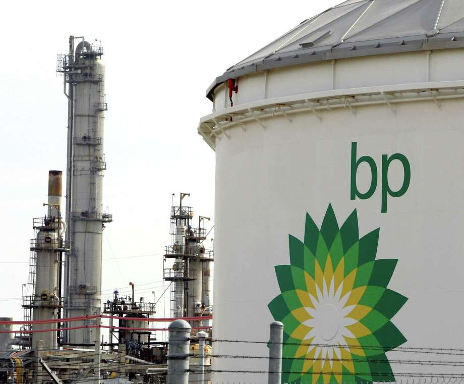 Sept. 2, 2004: Two employees killed at BP oil refinery in Texas City when burned by superheated water. Photo: David J. Phillip, Associated Press / AP2008