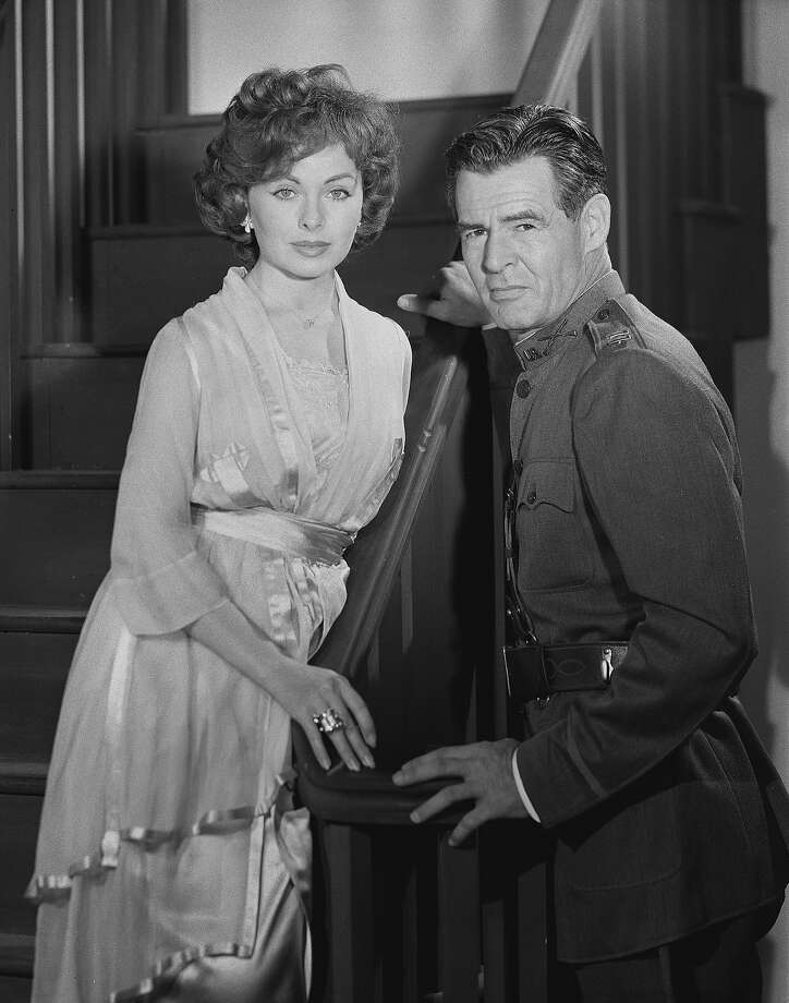 "Robert Ryan and Jeanne Crain in ""The Great Gatsby"" on PLAYHOUSE 90.  Image dated June 12, 1958. Photo: CBS Photo Archive, Getty Images / 1958 CBS Photo Archive"