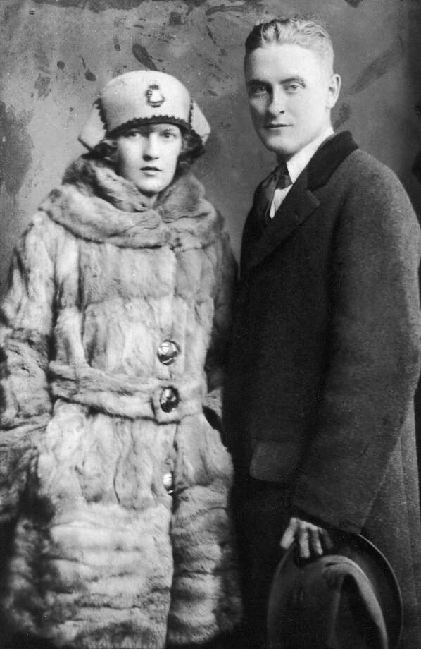 Portrait of American author F. Scott Fitzgerald and his wife Zelda wearing winter coats in 1921. Photo: Hulton Archive, Getty Images / Archive Photos
