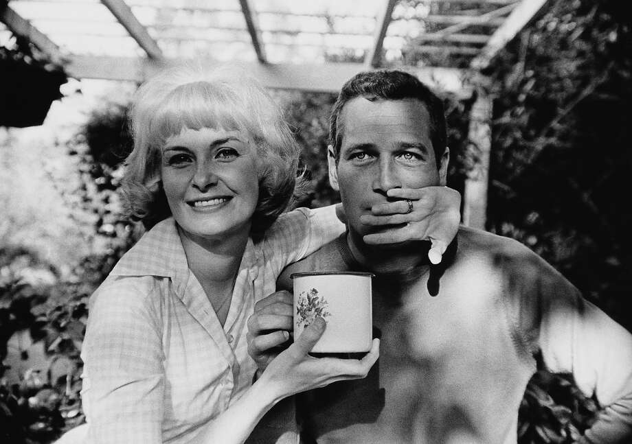 American actor Paul Newman (1925 - 2008) with his wife, actress Joanne Woodward, circa 1963. Photo: Fotos International, Getty Images / 2013 Fotos International