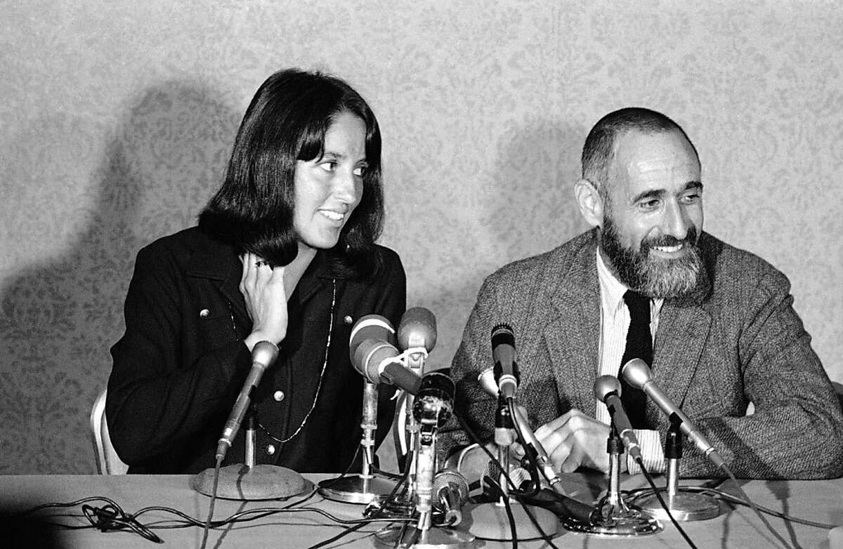 Joan Baez controversial folk singer and exponent of peace with Ira Sandperl, director of her Carmel area Baez Institute of Non-Violence at press conference in San Francisco, Feb. 28, 1967.