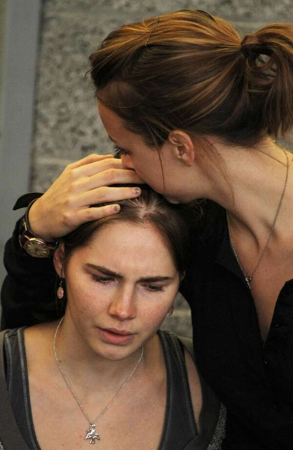 An emotional Amanda Knox upon her return to Seattle (Oct. 4, 2011).