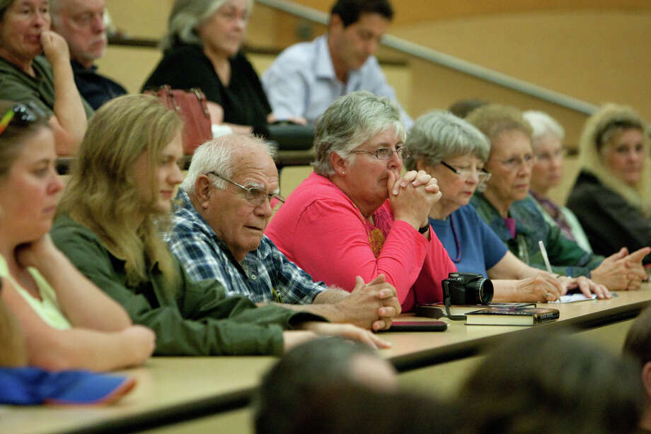 The audience listens as Raffaele Sollecito speaks at the University of Washington. Photo: JOSHUA TRUJILLO / SEATTLEPI.COM