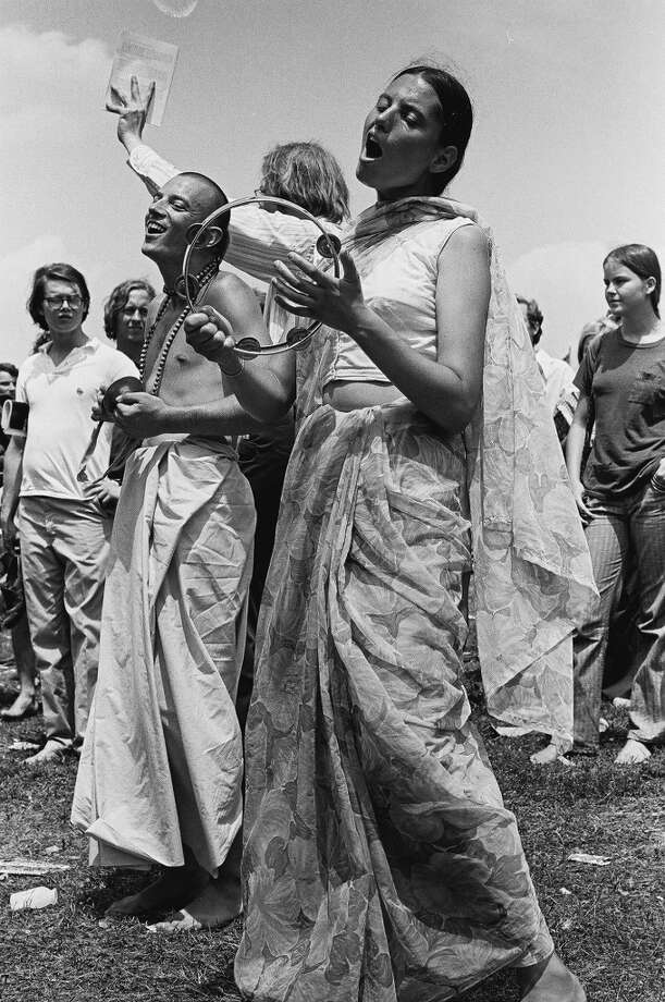 Hare Krishna devotees sing during the 'Honor America Day Smoke-In' thrown by marijuana activists to protest the official 'Honor America Day' ceremonies being held at the Lincoln Memorial, Washington, DC, July 4, 1970. (Photo by David Fenton/Getty Images) Photo: David Fenton, Getty Images