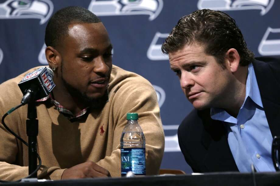 Seahawks GM on the upcoming draft, Brady Quinn, Antoine Winfield and high expectations  Seahawks general manager John Schneider (pictured at right) met with media Wednesday for the first time since signing backup quarterback Brady Quinn and veteran cornerback Antoine Winfield. And, of course, one week before the 2013 NFL draft.  Schneider touched on a lot of topics Wednesday, including how he\'s preparing for next week\'s draft without a first-round pick (traded away for Percy Harvin, pictured at left). How are Schneider, head coach Pete Carroll and the staff planning to handle it? And is this draft as important as in previous years?  Click through the gallery for all of Schneider\'s answers.