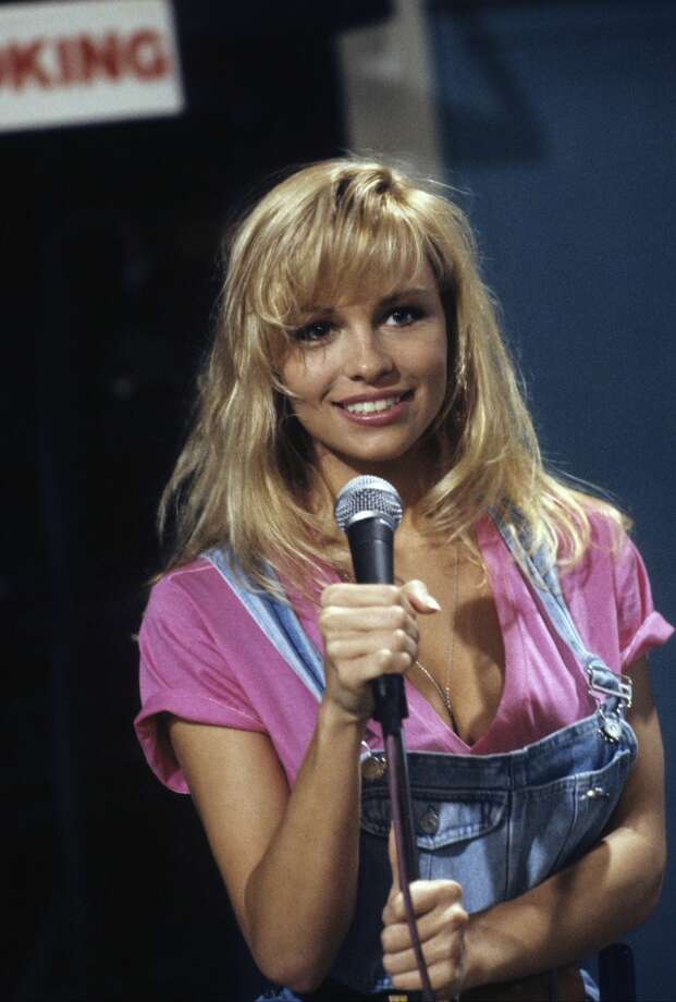 Anderson had a minor role as the ''tool time girl'' in the sitcom ''Home Improvement.'' Photo is from the 1991 pilot.