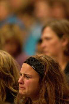 West's Morgan Talamatez, 17, weeps during the vigil. Photo: Johnny Hanson, Houston Chronicle / © 2013  Houston Chronicle